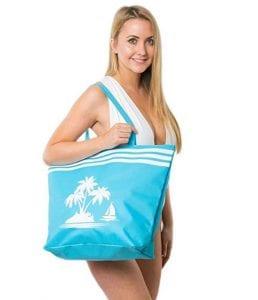 Frau mit Strandtasche